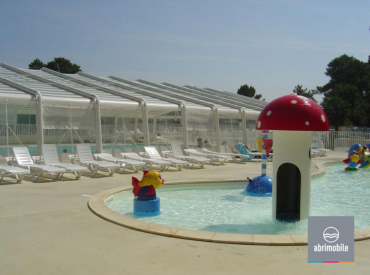 Abri de piscine grande largeur semi-rigide